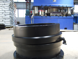 Large diameter HDPE Pipe fitting machine